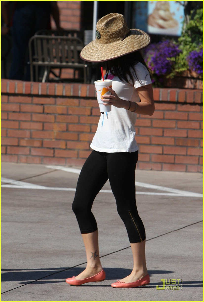 megan fox robeks juice 02