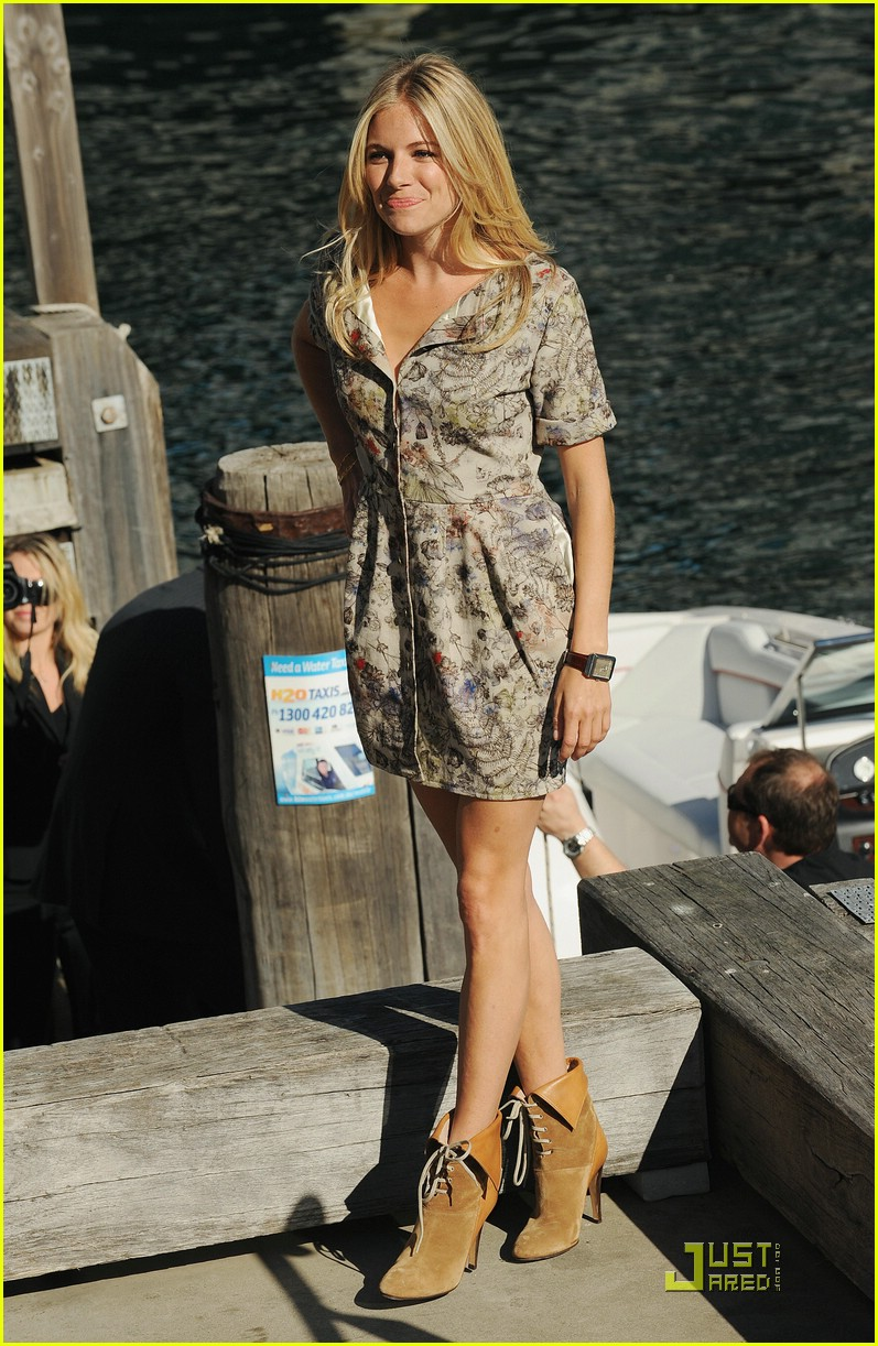 sienna miller rise of the press conference 042062191