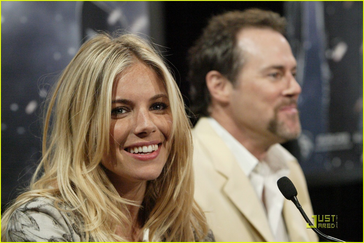 sienna miller rise of the press conference 062062211