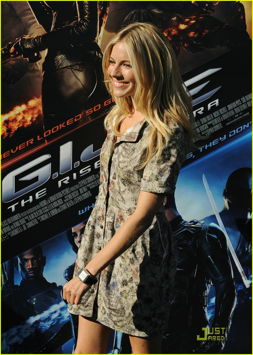 sienna miller rise of the press conference 21