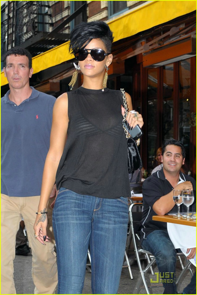 rihanna west village 022055941