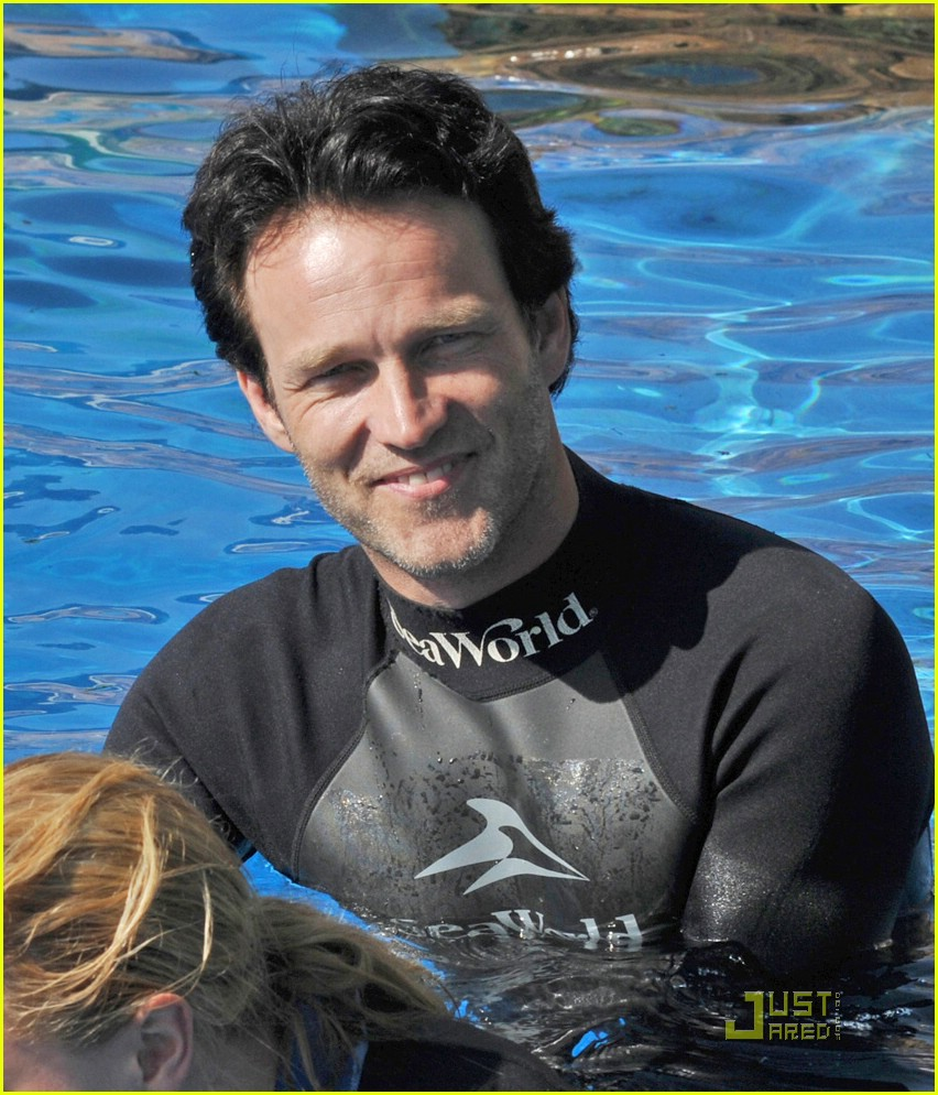 anna paquin stephen moyer seaworld 062081352