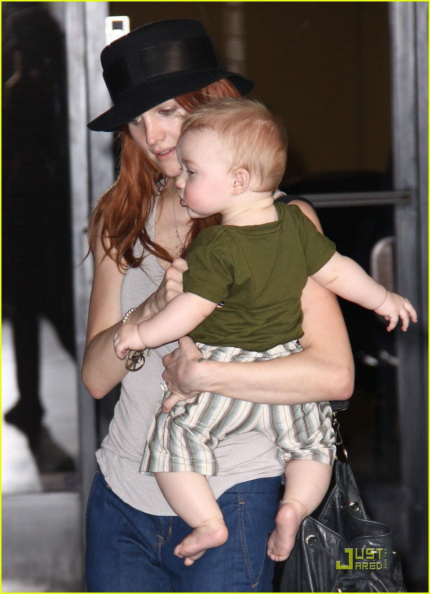 ashlee simpson baby play date 092072882