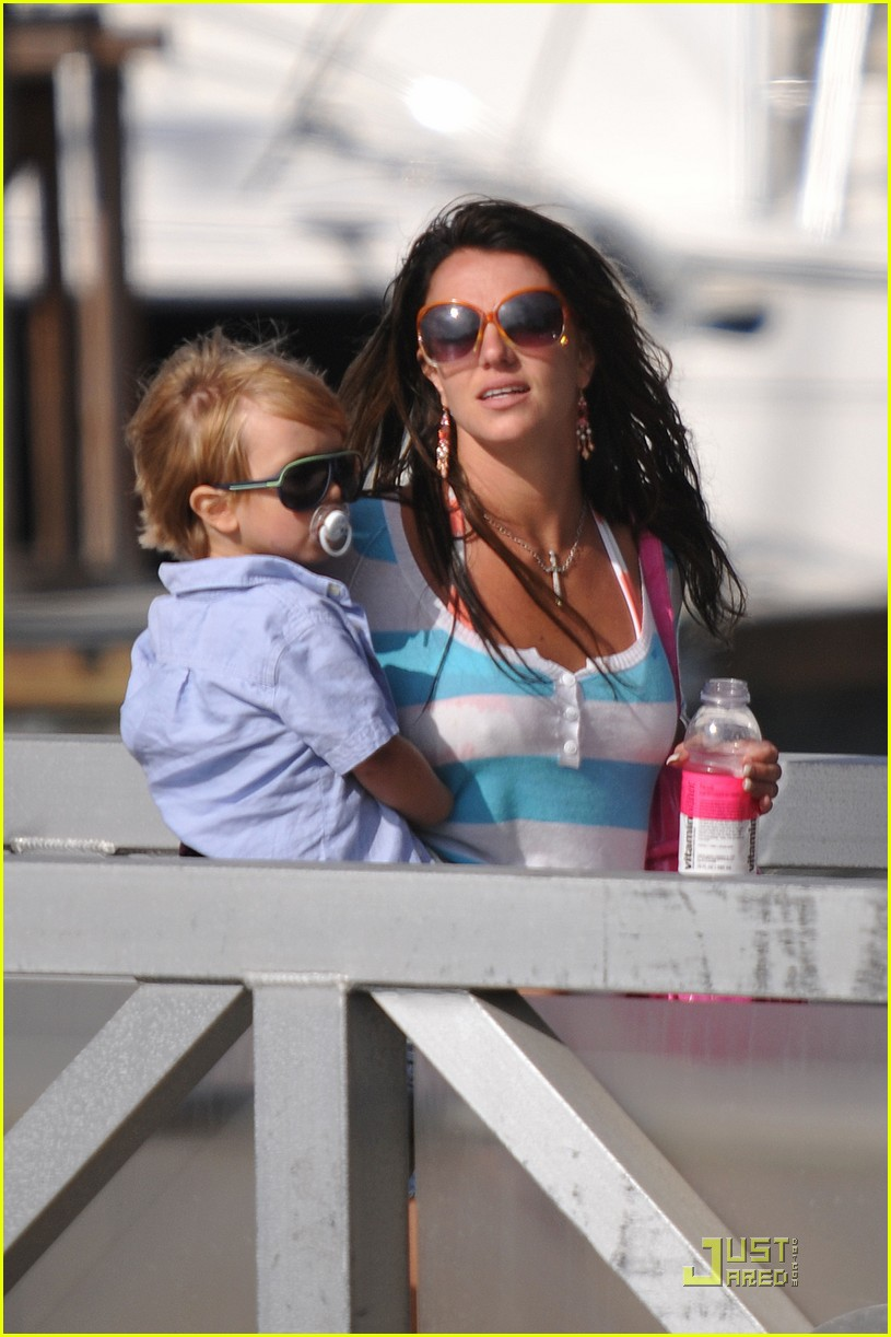 britney spears boys boat 102027741