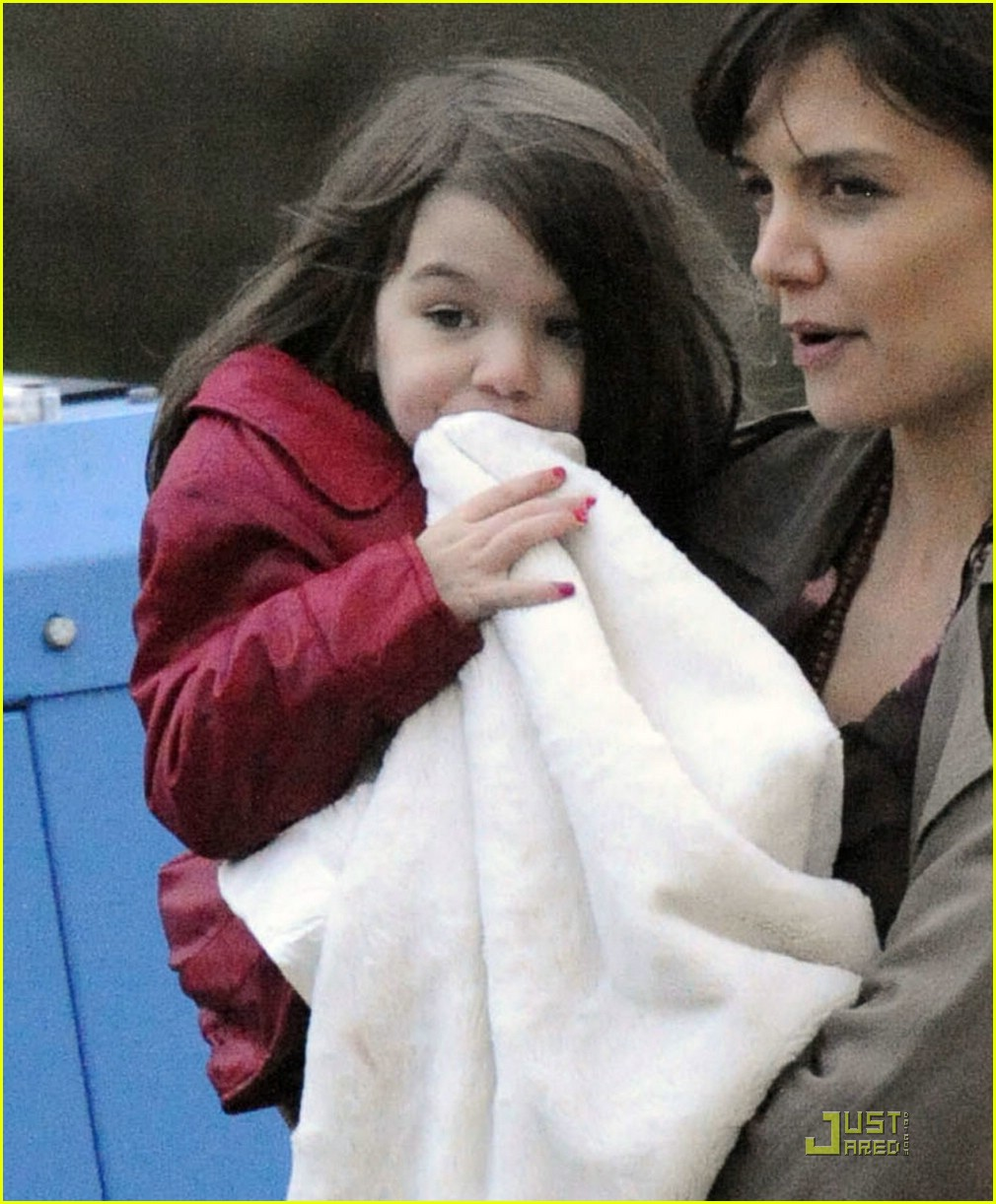suri cruise clifford the big red dog 022064701