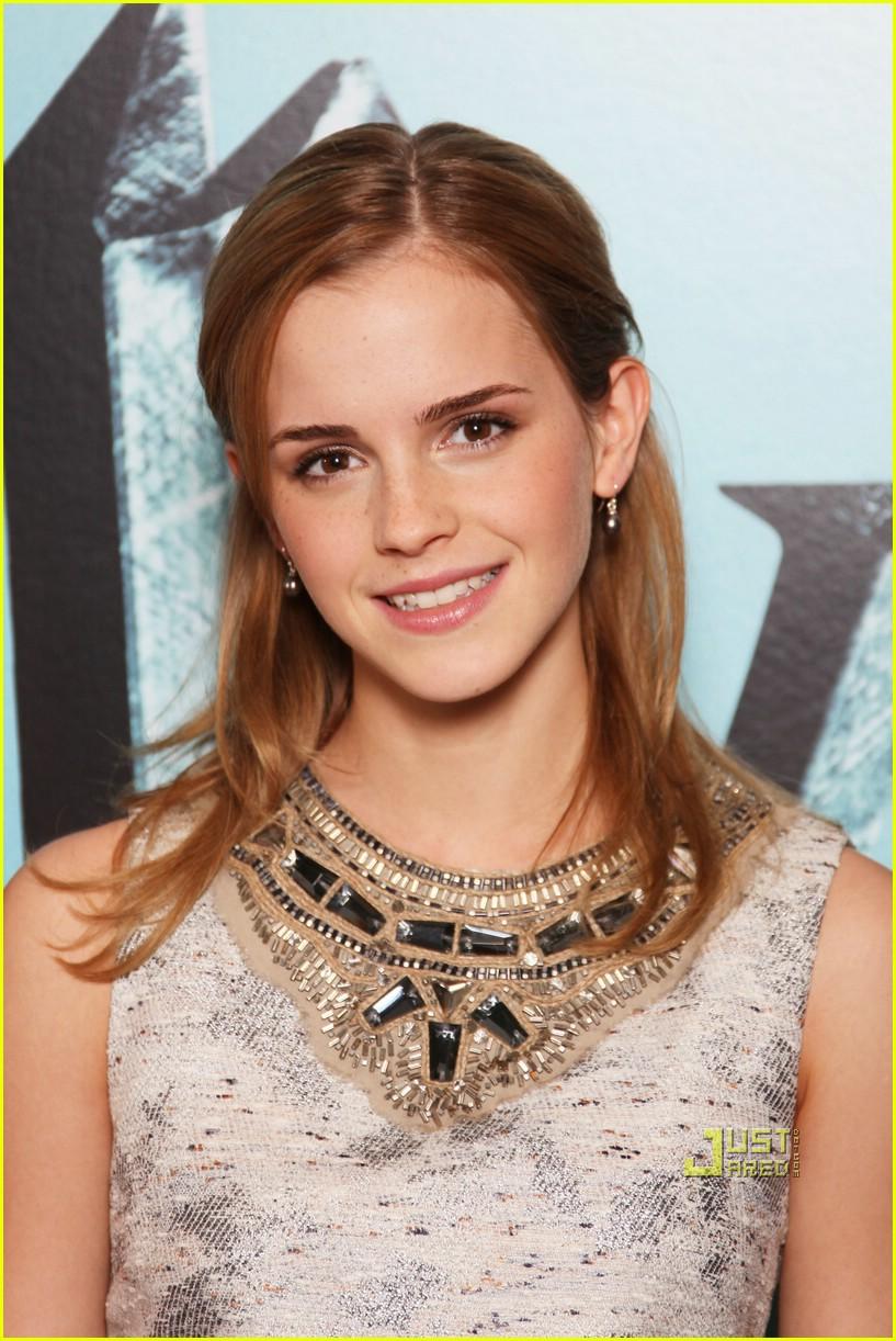 Emma Watson is Soaking... Rupert Grint Net Worth
