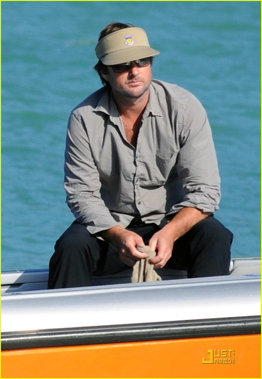 luke wilson shirtless saint tropez 06