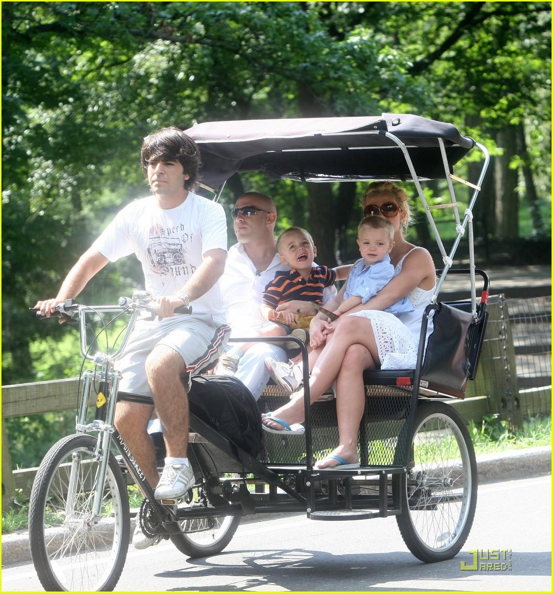 britney spears pedicab 012155832