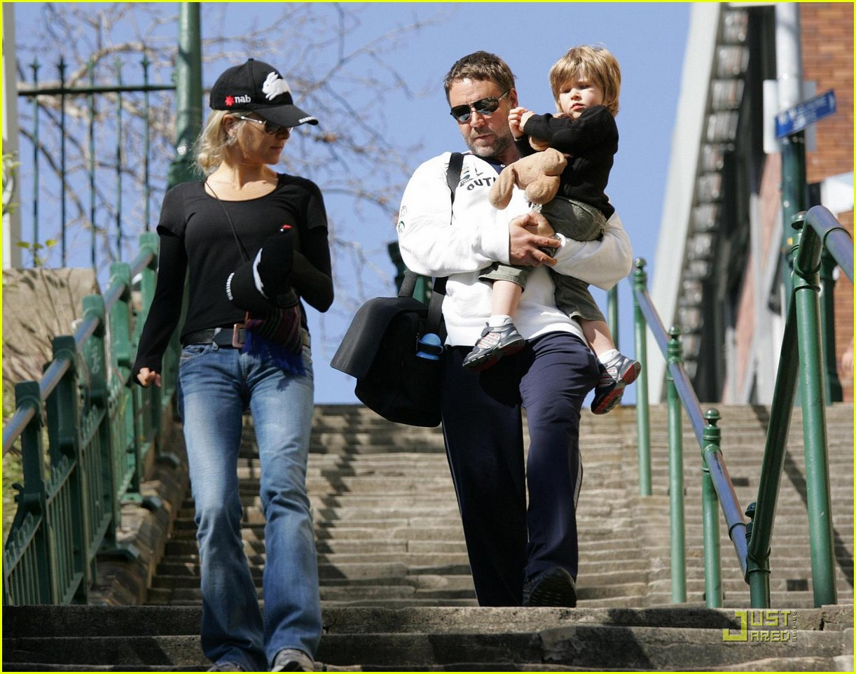 russell crowe down under 032130031