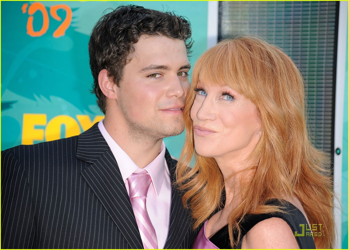 Full Sized Photo of kathy griffin levi johnston hold hands tcas 02 ...