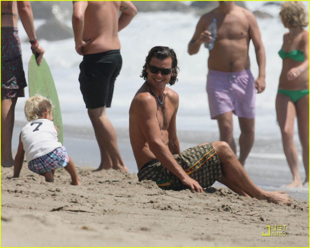 gwen stefani beach babies 072171072