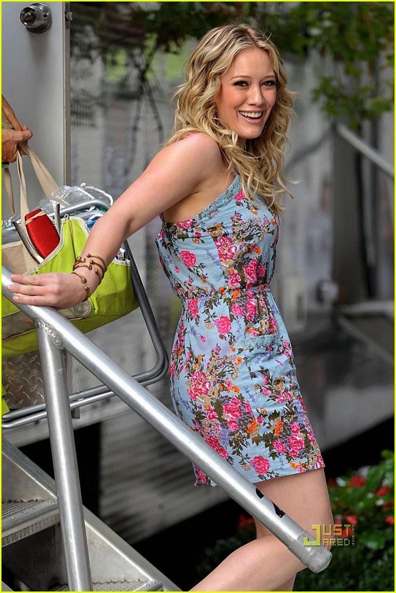 Hilary Duff Olivia Burke Babe Photo 2162342 Gossip