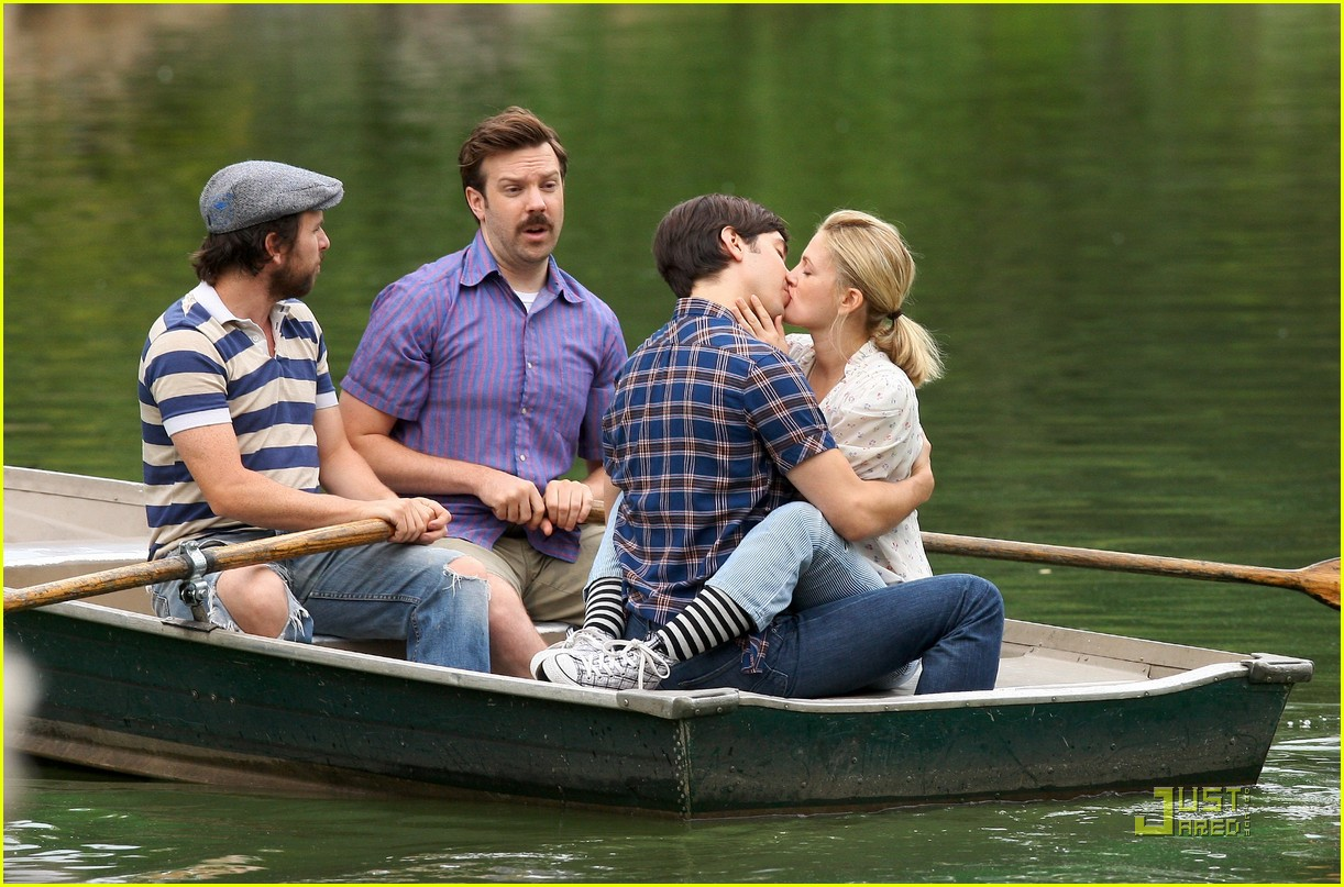 drew barryymore justin long kissing rowboat 032107561