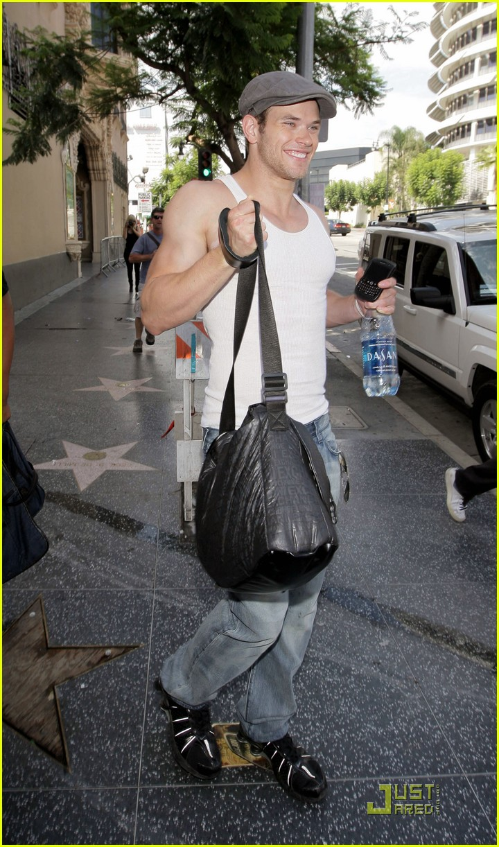 kellan lutz hm model 102151071