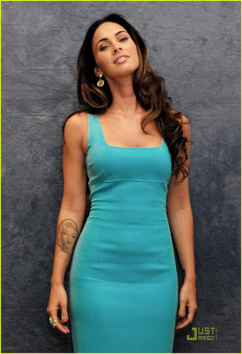 megan fox saturday night live host 03