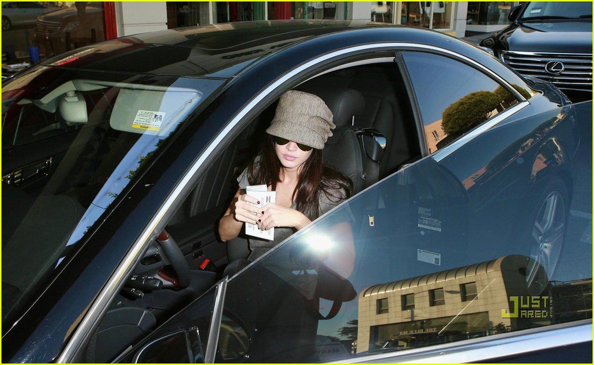 megan fox parking ticket 082167081
