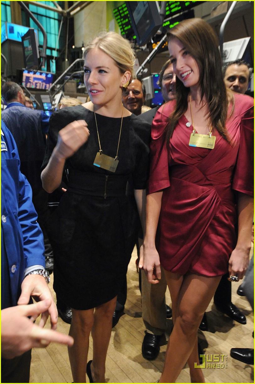 nice share huge andrew vanwyngarden and zoe kravitz dating she's incredible return!!!!
