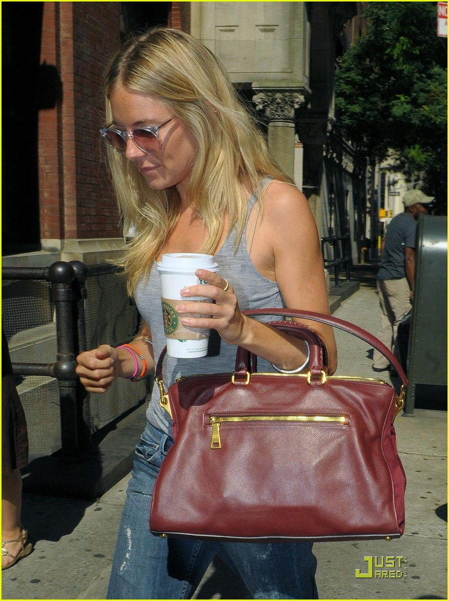 sienna miller goes grocery shopping 01