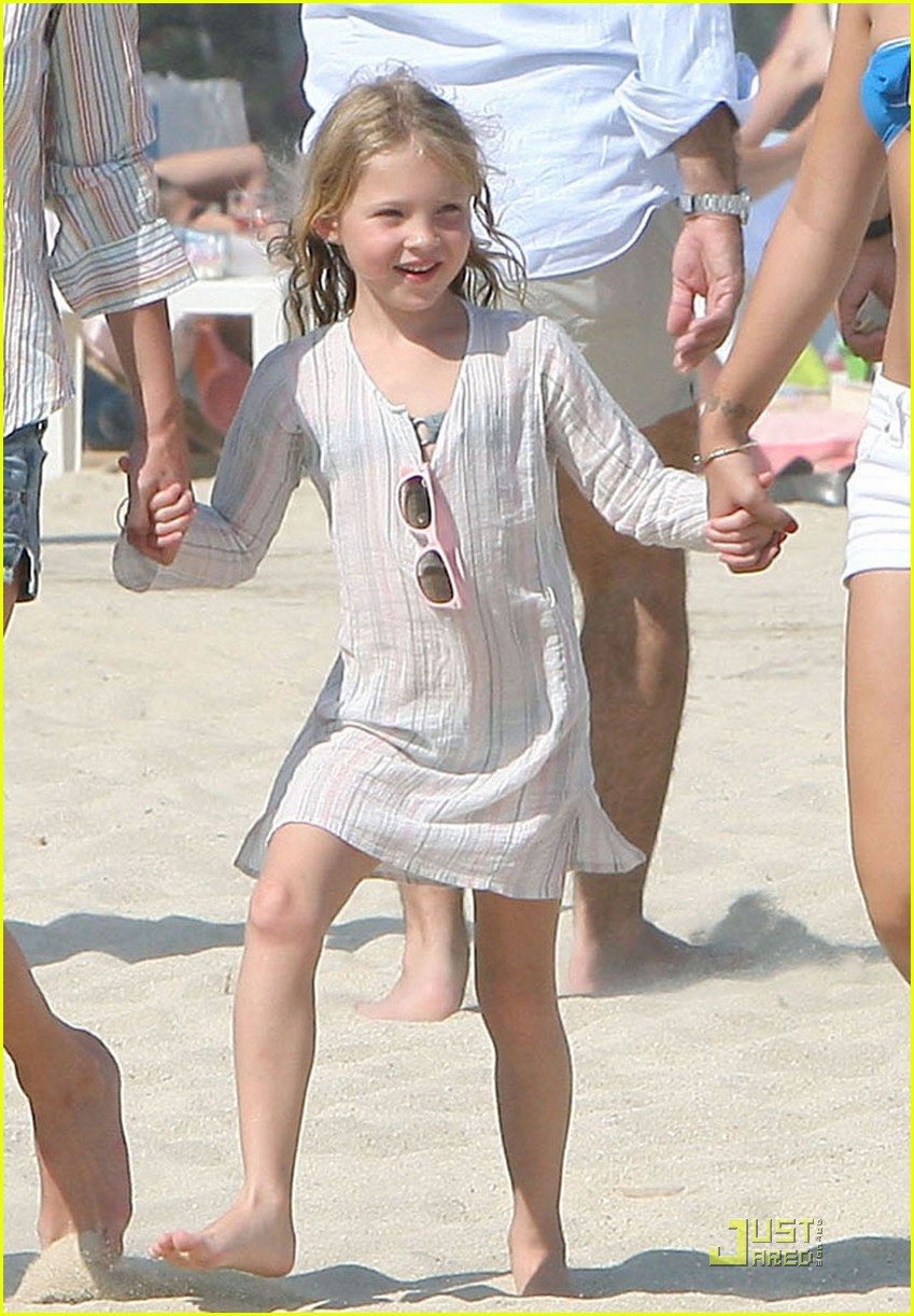 Kate Moss Lily Allen Club 55 Fun In The Sun Photo 2111491