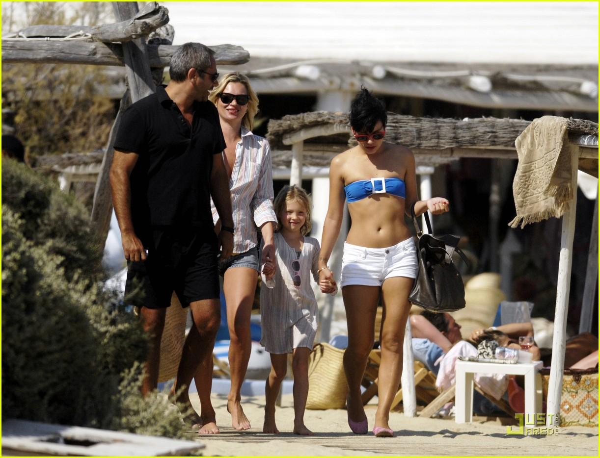 Kate Moss Lily Allen Club 55 Fun In The Sun Photo 2111651