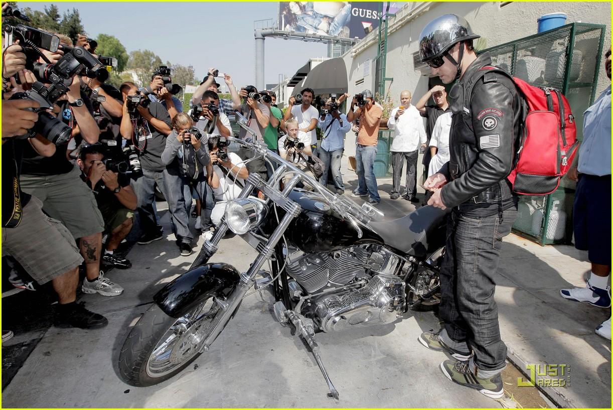 justin timberlake motorcycle 192128601
