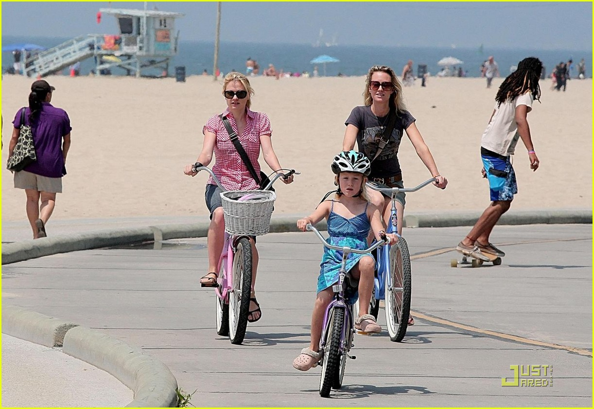 anna paquin biking stephen moyer ex girlfriend 07