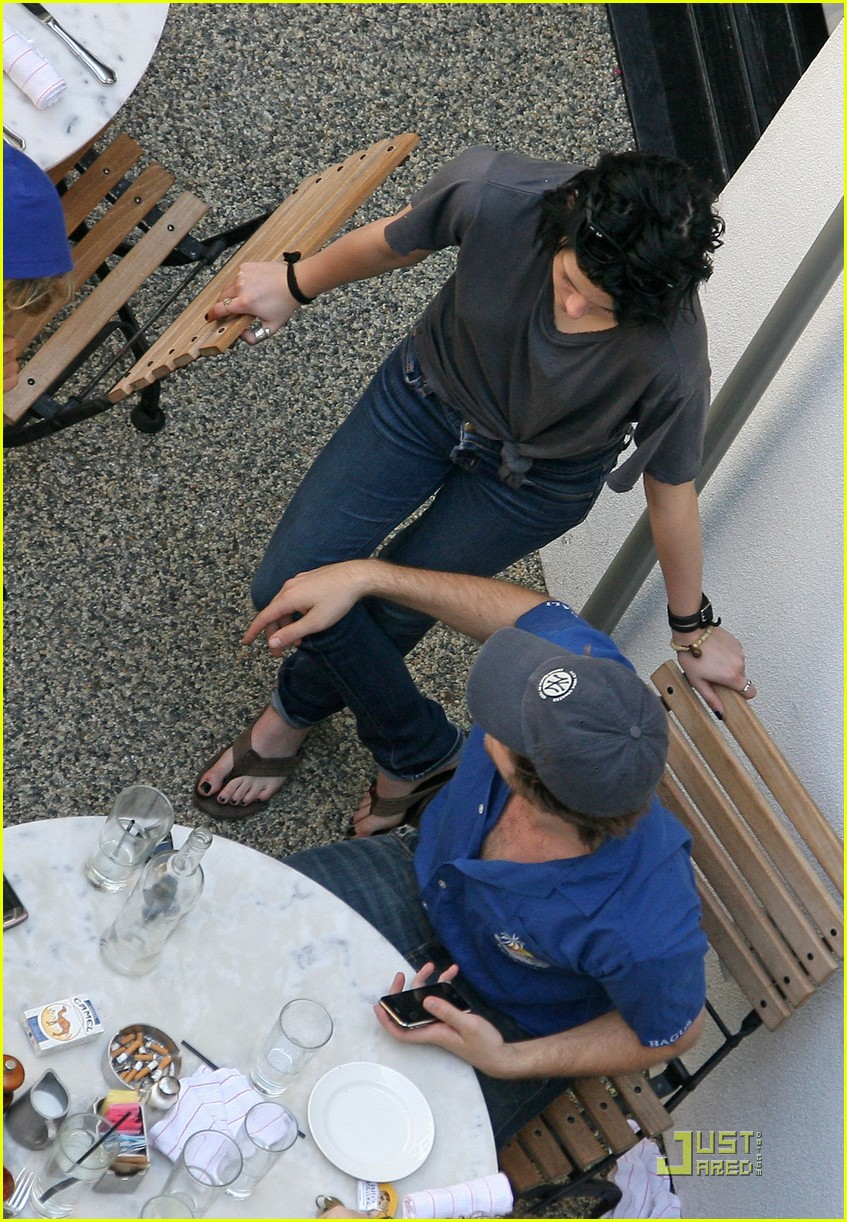 robert pattinson kristen stewart lunch date 05