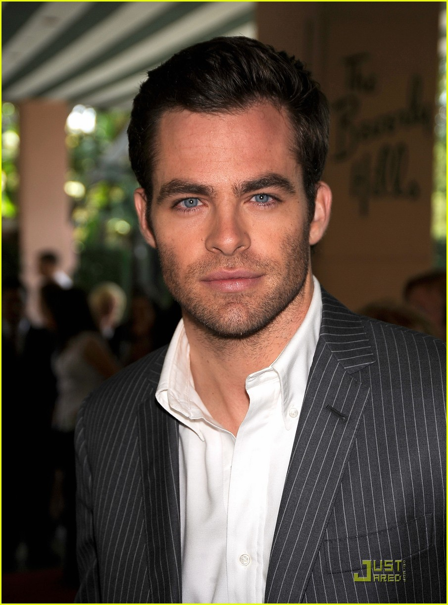 chris pine hollywood foreign press luncheon 18