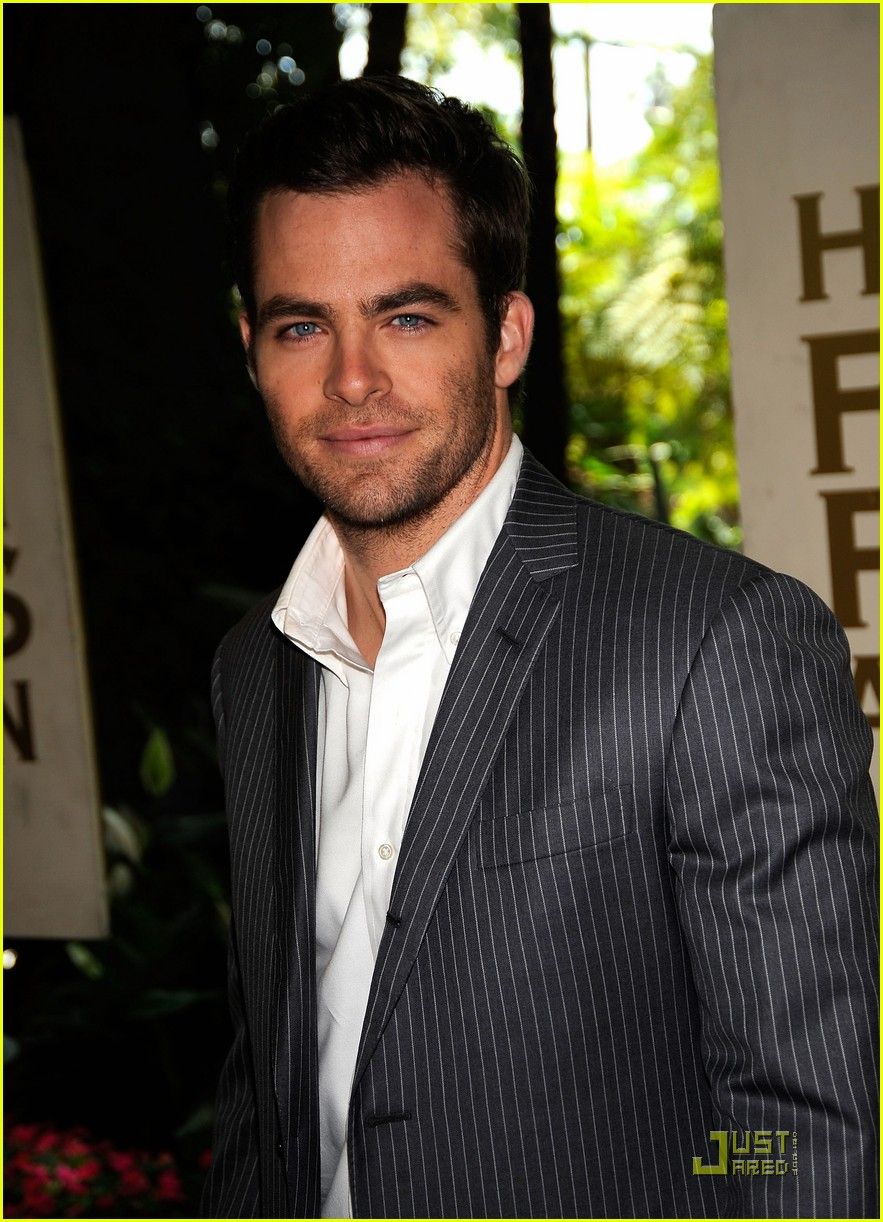 chris pine hollywood foreign press luncheon 23