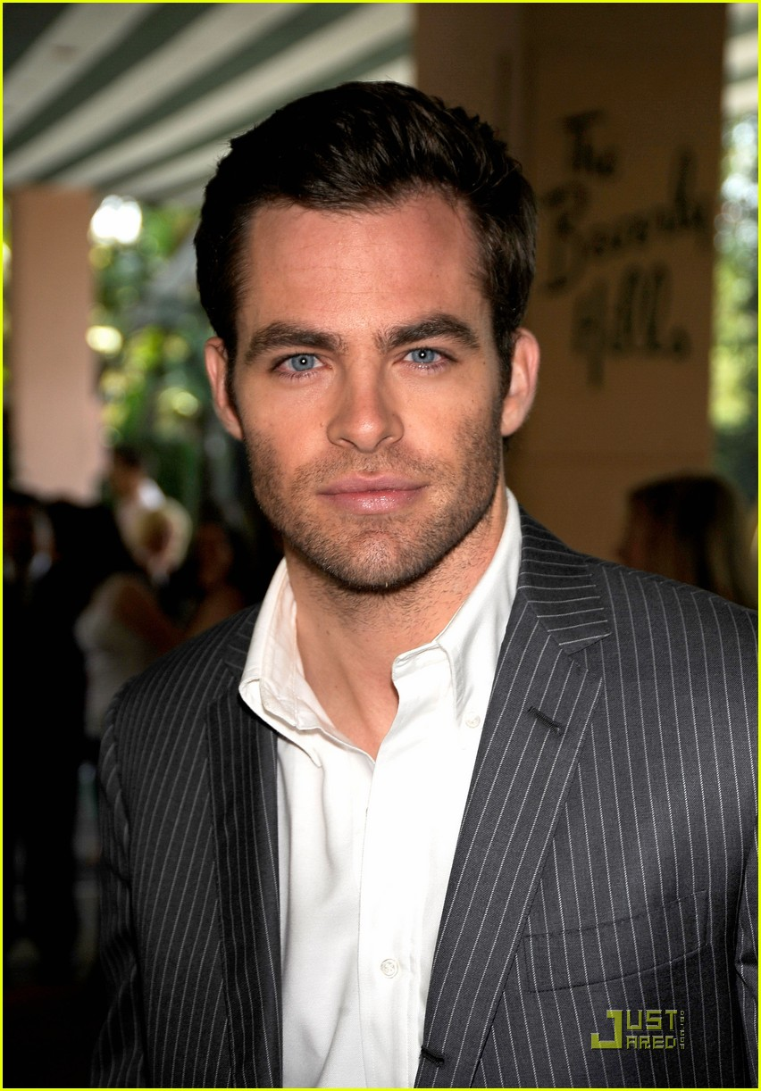 chris pine hollywood foreign press luncheon 24