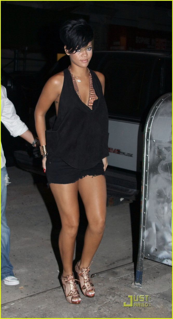 Rihanna hotel retro images 16