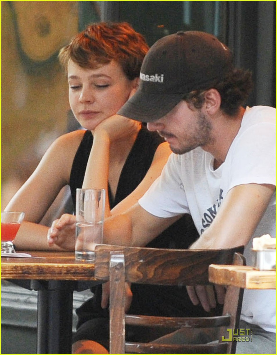 shia labeouf carey mulli gan couple 04