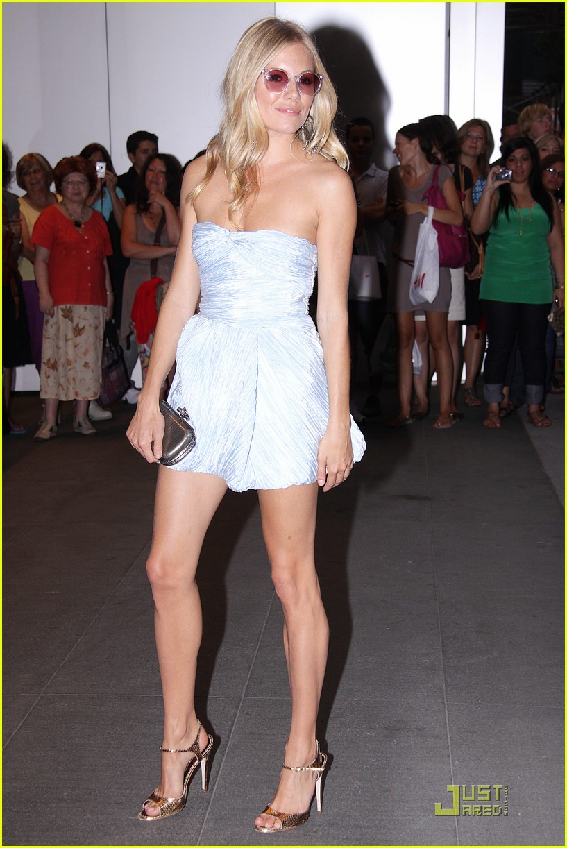 sienna miller september issue premiere 022143372