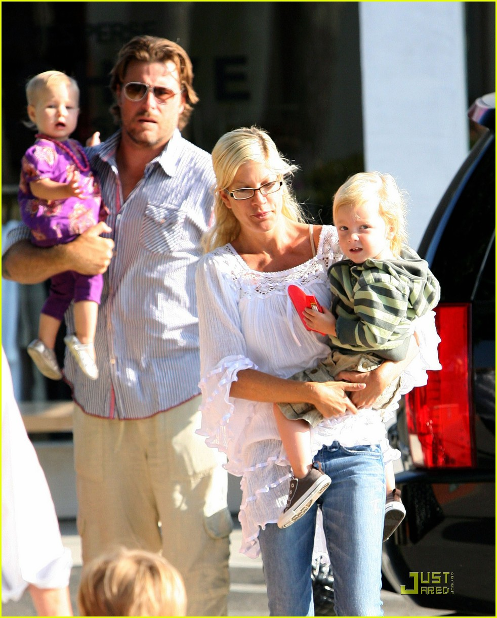 tori spelling kids play at the park 232144432