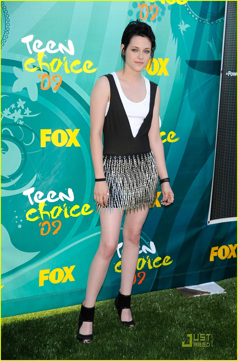 kristen stewart spiky skirt teen choice awards 062115942
