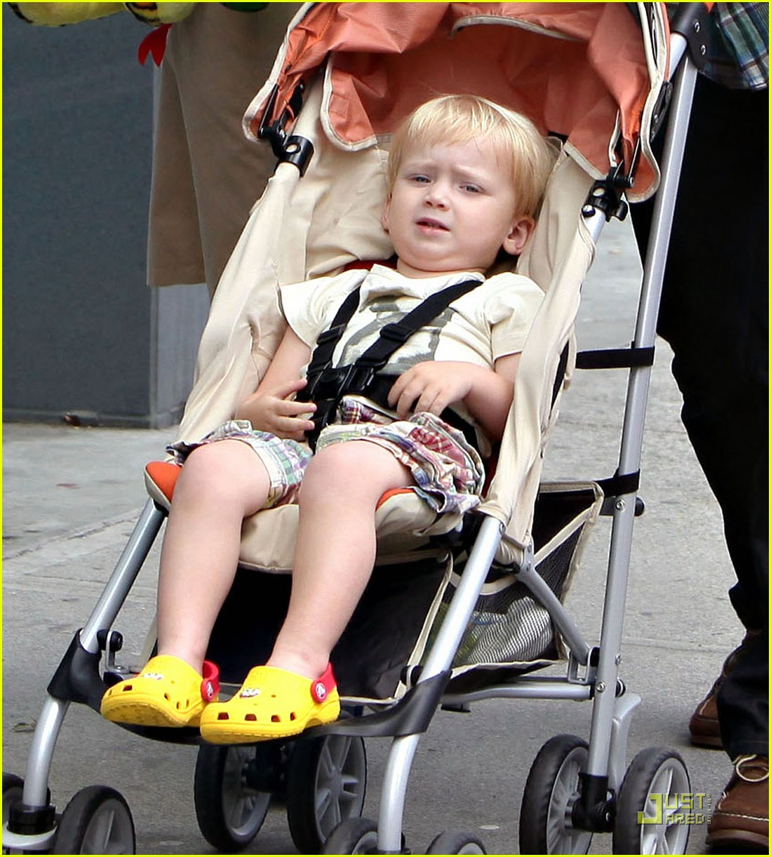 bryce dallas howard seth gabel son theodore 01