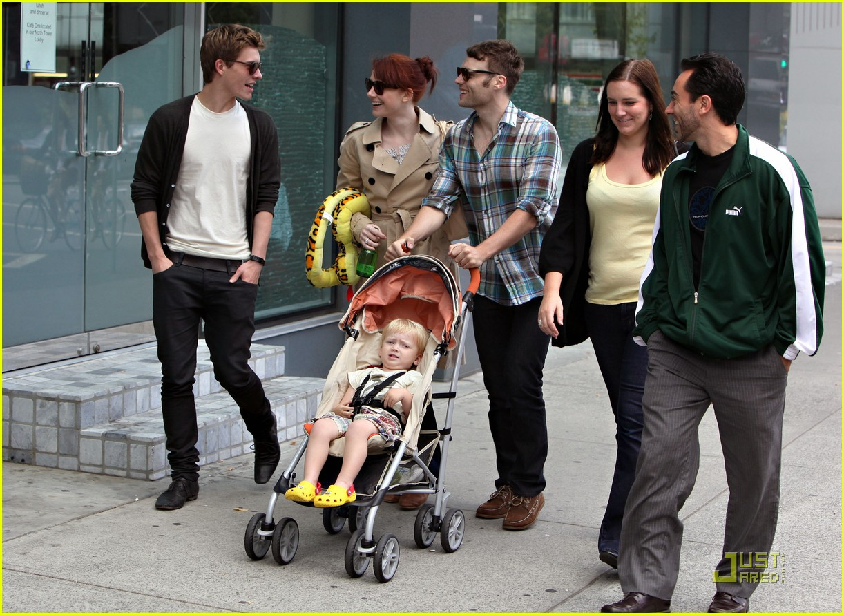 bryce dallas howard seth gabel son theodore 23