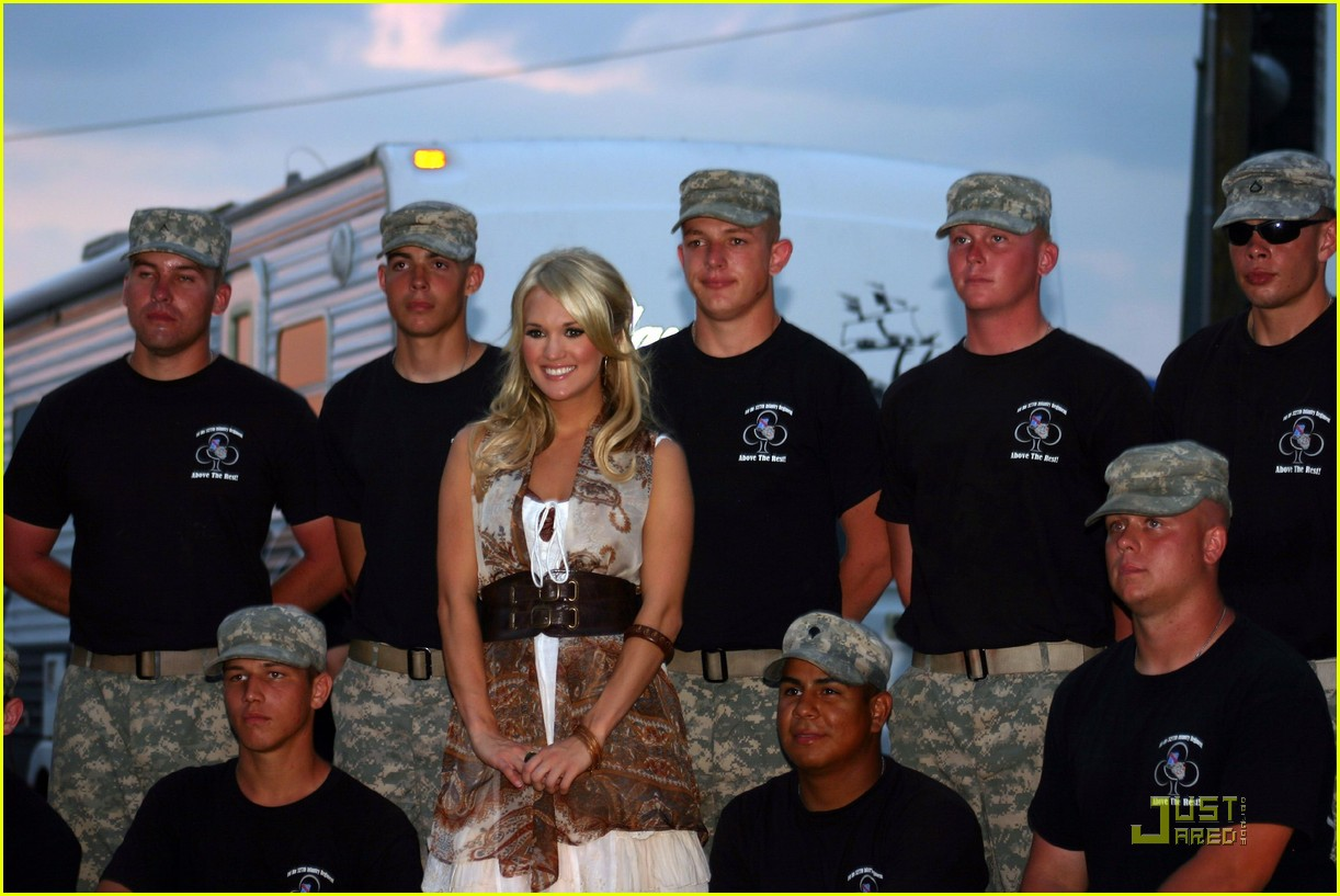 carrie underwood salute the troops 032133422