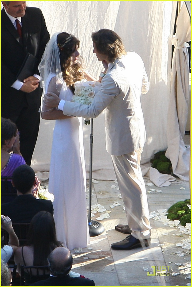 milla jovovich wedding picture 052151551