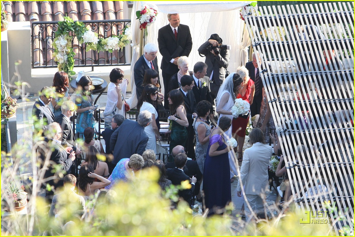 milla jovovich wedding picture 072151571