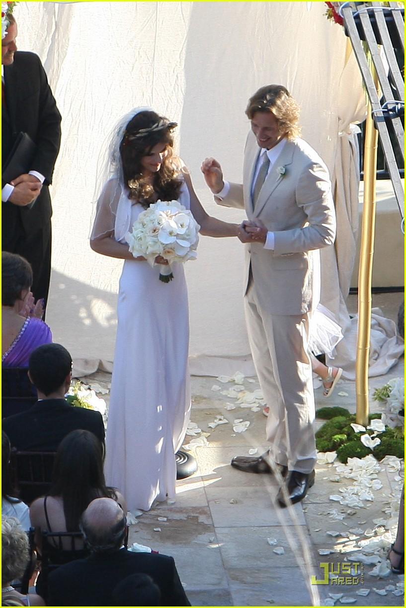 milla jovovich wedding picture 092151591