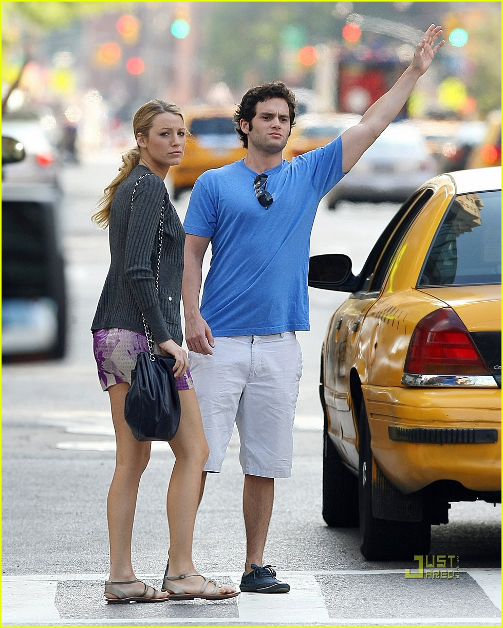 Blake lively and penn badgley still dating 2009