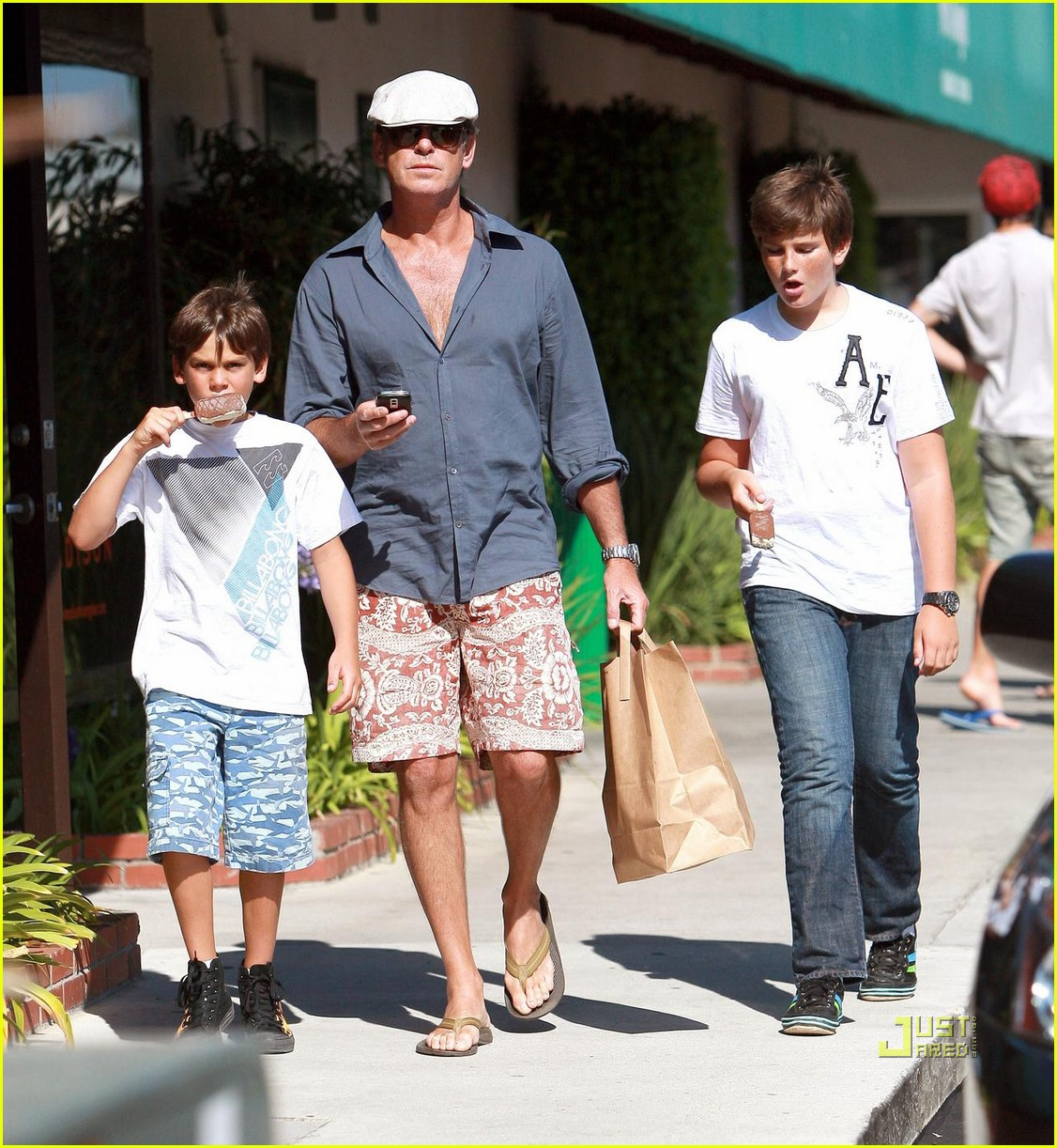 pierce brosnan malibu country mart 032195052