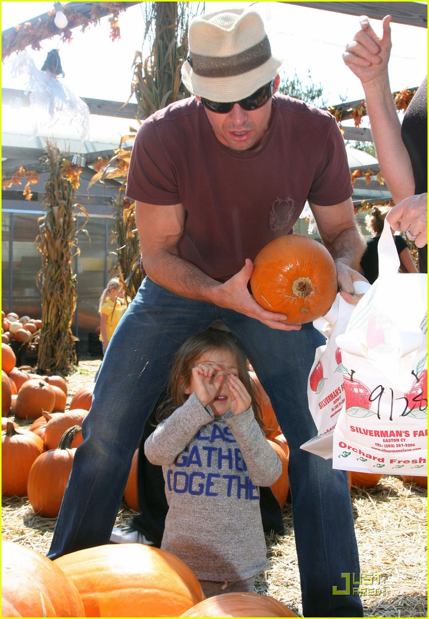 hugh jackman pumpkin patch 052251021
