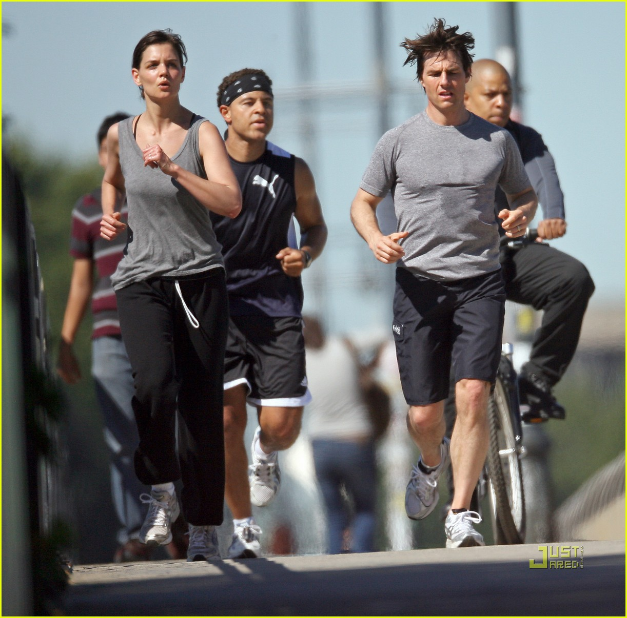 tom cruise katie holmes jogging 03