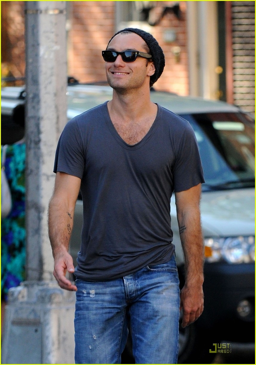 jude law jonny lee miller laughing 022214622