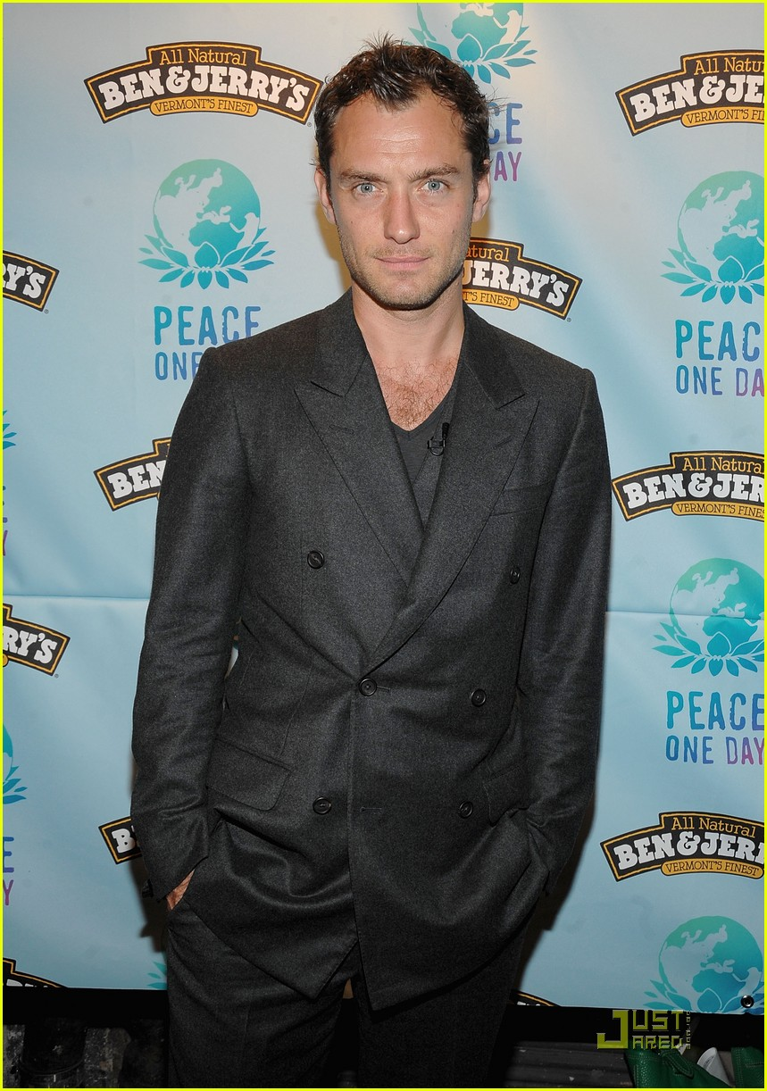 jude law peace day 082237192