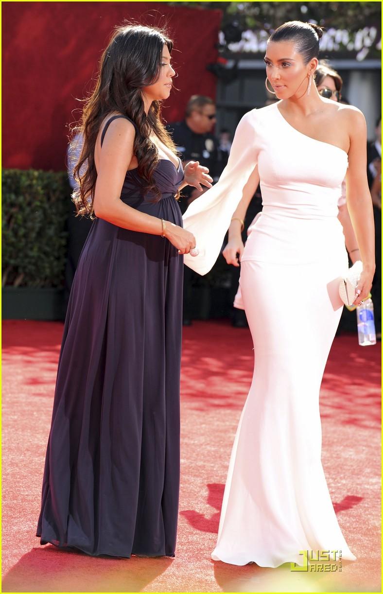 kim kardashian emmy awards 2009 042230922