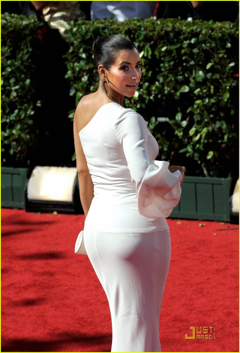 kim kardashian emmy awards 2009 062230942