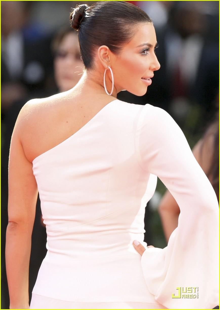 kim kardashian emmy awards 2009 072230952